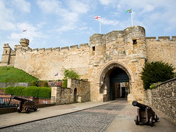 lincoln_castle-image-1